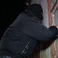 Подозреваются в незаконном проникновении в жилище