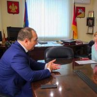 Глава регионального исполкома ОНФ провёл рабочий день в Кущёвском районе